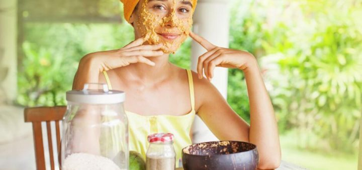 Smooth and Hydrate Skin With These Homemade Oatmeal Masks